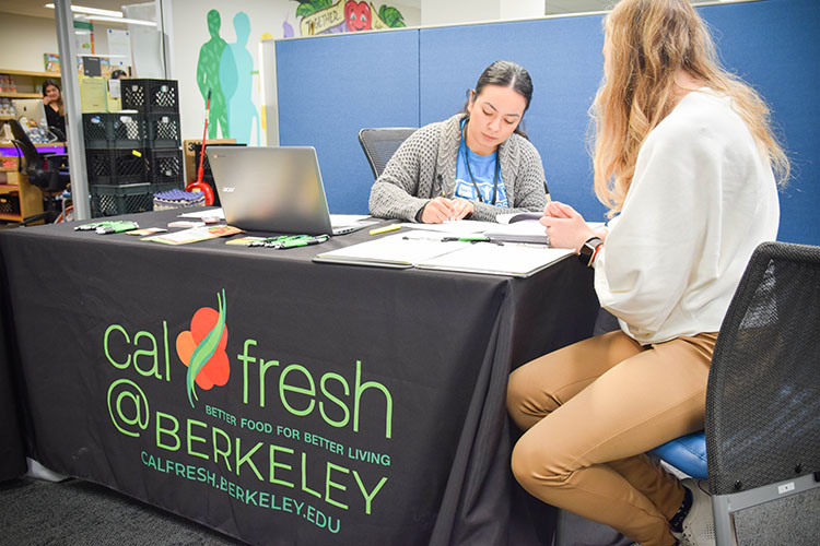 A student signs up for CalFresh federal nutrition benefits