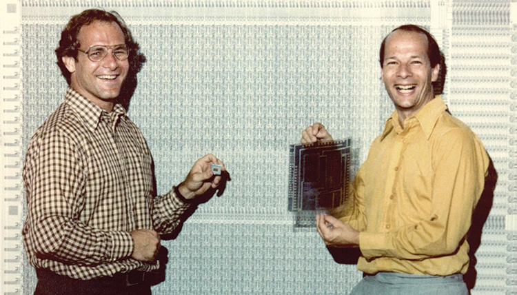 Portrait of David Patterson and Carlo Séquin in 1981, Carlo is holding blueprints
