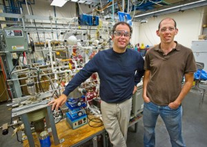 Dean Toste (left) and Elad Gross led a team that developed a technique which allows the catalytic reactivity inside a microreactor to be mapped in high resolution from start-to-finish. Photo: Roy Kaltschmidt