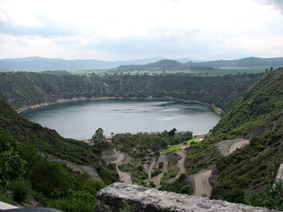 The maar lake Aljojuca, 20 miles south of Cantona, yielded sediments that recorded a lengthy series of droughts between A.D. 500 and 1150.