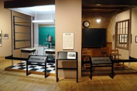 Representations of segregated classroom in a museum