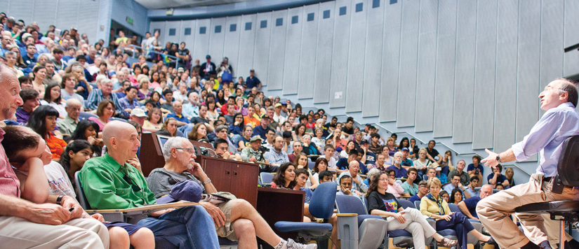Saul Perlmutter facing lecture hall.  Image used for Excellence in Research research highlight.
